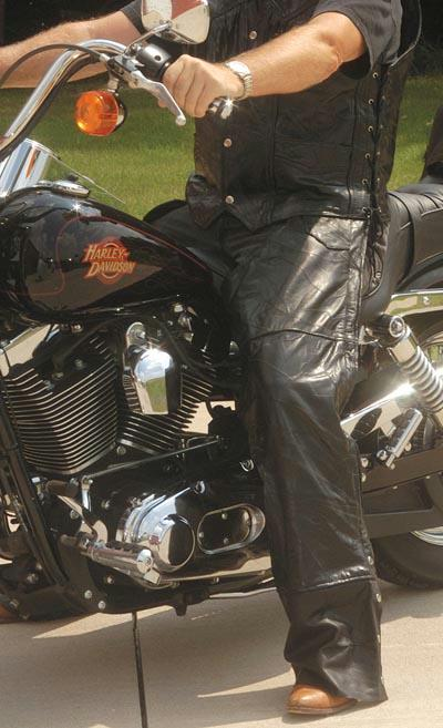 Diamond Plate GFCHAP2X 2X Rock Design Genuine Buffalo Leather Motorcycle Chaps