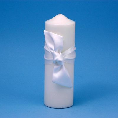 Beverly Clark 92P Love Knot Pillar Candle - White BVCK320