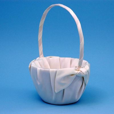 Beverly Clark 92VI Love Knot Flower Girl Basket - Ivory