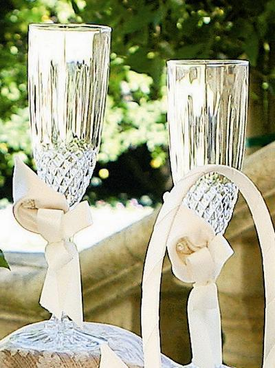 Beverly Clark A01075FL/IVO Calla Lily Flutes - Ivory