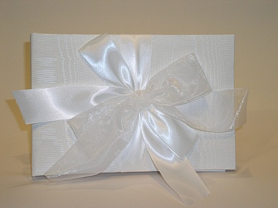 Beverly Clark 38A Tres Beau Wedding Guest Book in White