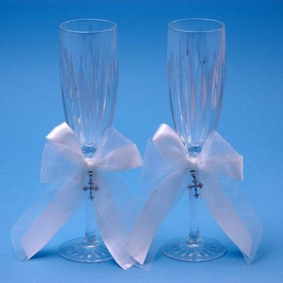 Beverly Clark 38LT Grace Champagne Toasting Wedding Flutes in White