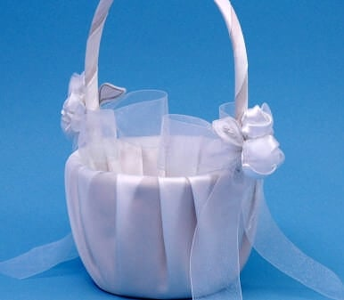 Beverly Clark 41VI Amour Flower Girl Basket - Ivory