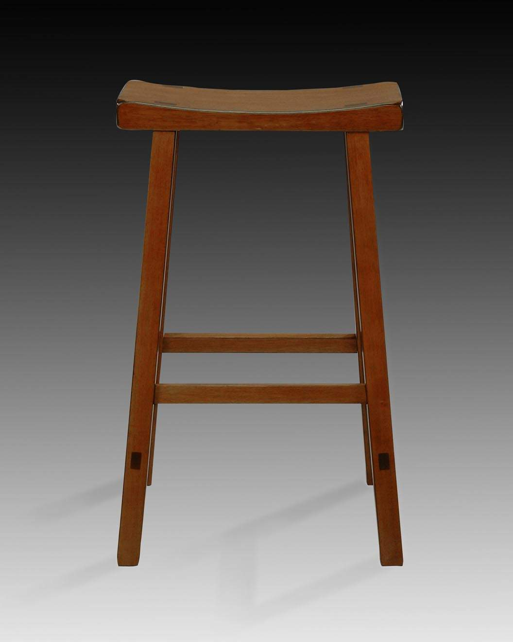 International Concepts 1S43-683 RUSTIC OAK SADDLE SEAT BARSTOOL - 29 Inch