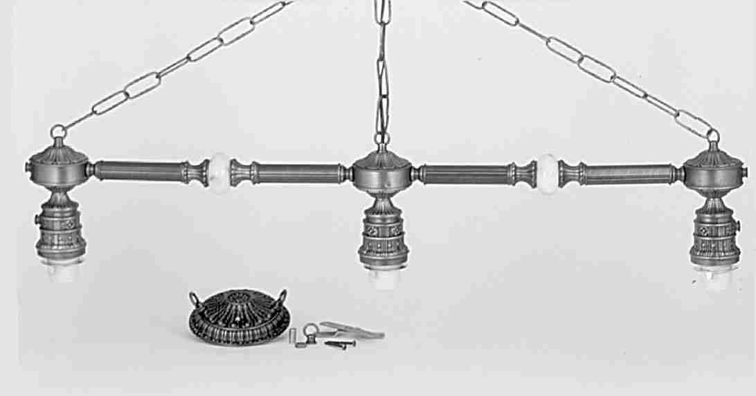 Meyda Tiffany 28173 Victorian W/Onyx 3 Light Bar