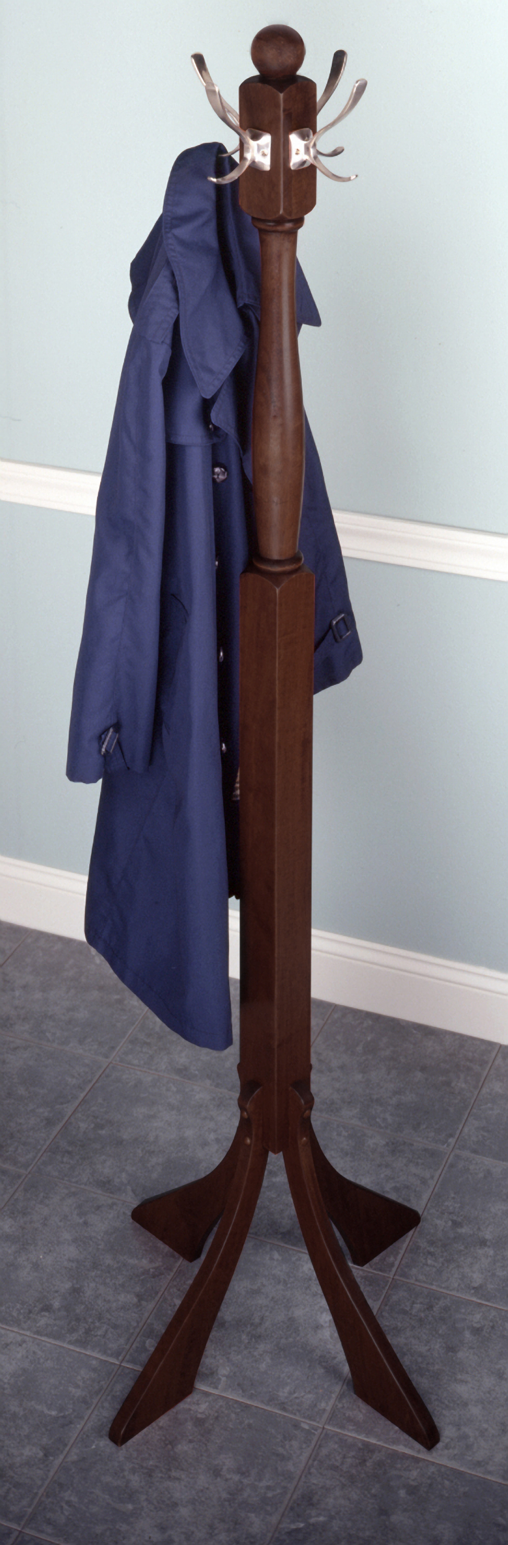 Winsome 94474 Walnut Beechwood COAT HANGER 74 Inch 4 DOUBLE-HOOK