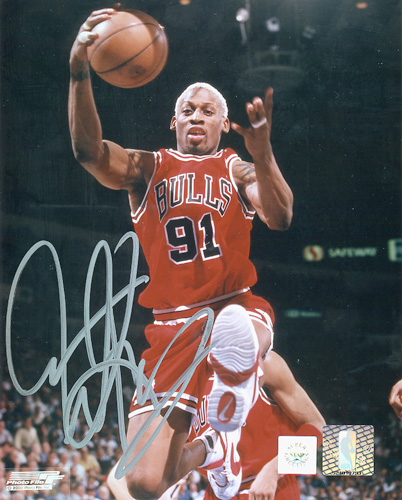 Superstar Greetings Dennis Rodman Signed 16X20 Photo - Bulls Rebounding DR-16d