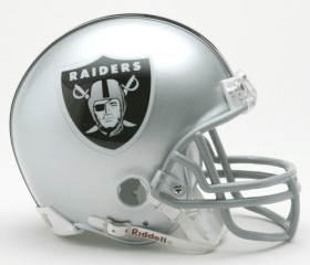 Oakland Raiders Replica Mini Helmet w/ Z2B Face Mask CASY7030