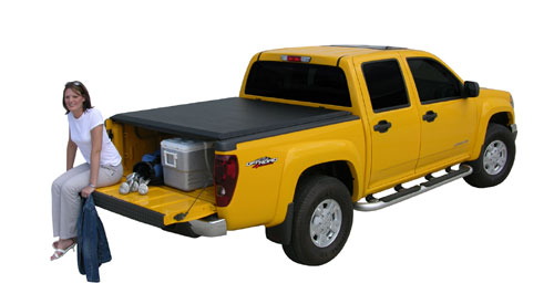 Access 12199 2007 Chev-GMC Classic and 99-06 1500 Ext. Cabs and Reg. Cabs  1500 HDs and 2500 with 6 ft 6 in Box Access Cover AGR034
