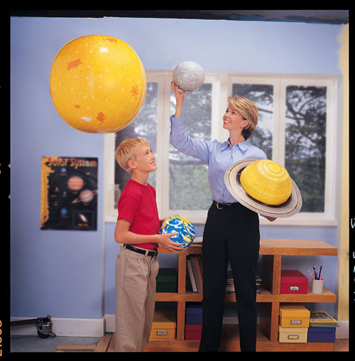 LEARNING RESOURCES LER2434 INFLATABLE SOLAR SYSTEM DEMONSTRATI-ON