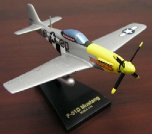 Daron Worldwide Trading AJR0348F2R P-51D Mustang 1/48 Scale 8L X 10 WSP AIRCRAFT