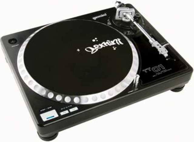 GCI TECHNOLOGIES TT01MKII High torque belt drive turntable with cartridge and felt slipmat