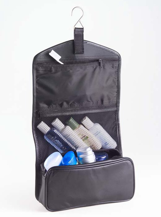 Clava 110 Hanging Toiletry Case - Quinley Black