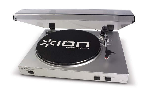 Ion Audio TTUSB05 USB Turntable with Cover