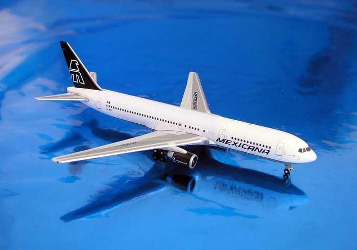 Daron Worldwide Trading  GJ806 Gemini Mexicana 767-300 1/400 DARON1864
