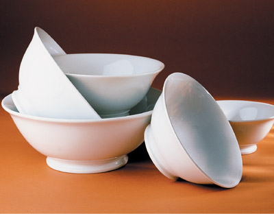 Pillivuyt 170119BL Footed Bowl - 7.75 Inch  1 qt.