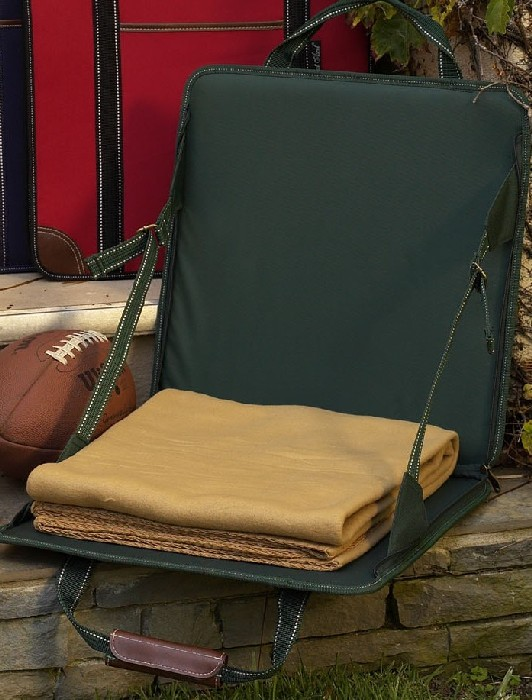 Picnic at Ascot 193-GR Stadium Seat with Tan Blanket Green