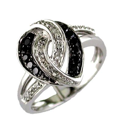 14K White Gold Diamond and Black Diamond Ring Size 6.5