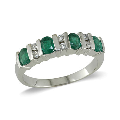 14K Gold Emerald and Diamond Ring Size 7.5
