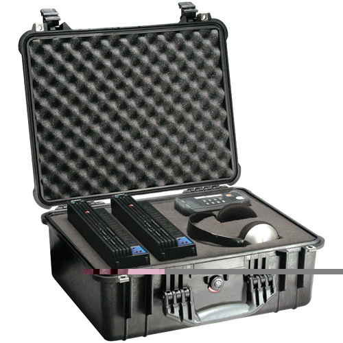 Pelican 1550-004-110 Case with Padded Divider - Model 1550; Dim: 18.43 L x 14.00 W x 7.62 D