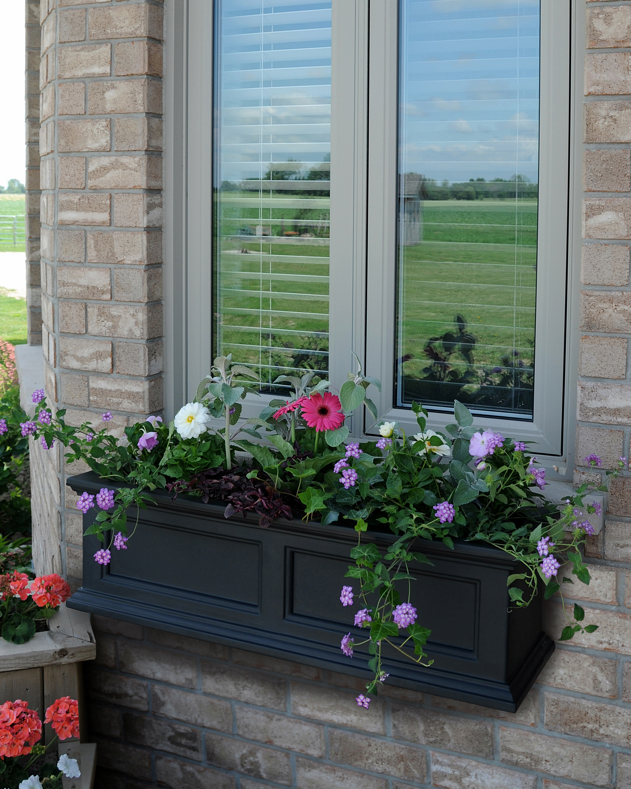 MAYNE 5822B Fairfield 3ft Window Box- Black