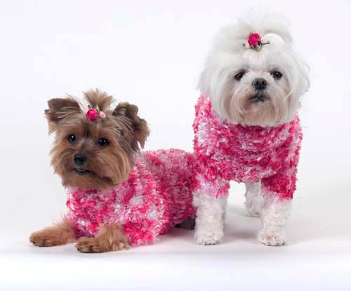 A Pets World 07170802-14 Funky Synthetic Fur Tonal Pink Eyelash Yarn Dog sweater