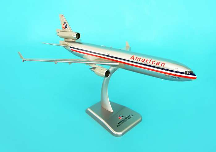 Hogan HG1530G American Airlines MD11 withLanding Gear