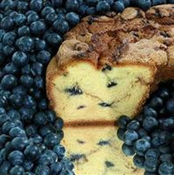 My Grandma BBLGCL Large- 10 in.- 3.1 lbs Lower Fat New England Blueberry Coffee Cake