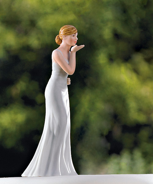 Wedding Star 9085 Bride Blowing Kisses Figurine WED3842