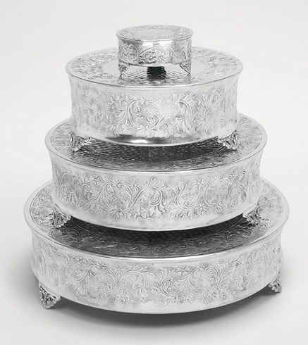 A nation  15947 Set of 4 Polished Aluminum Round Cake Plateaus