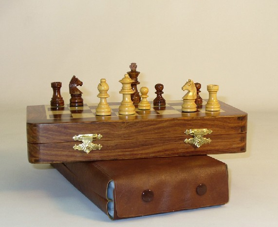 Pleasantime 68735 Sheesham Wood Magnetic Folding Chess Set