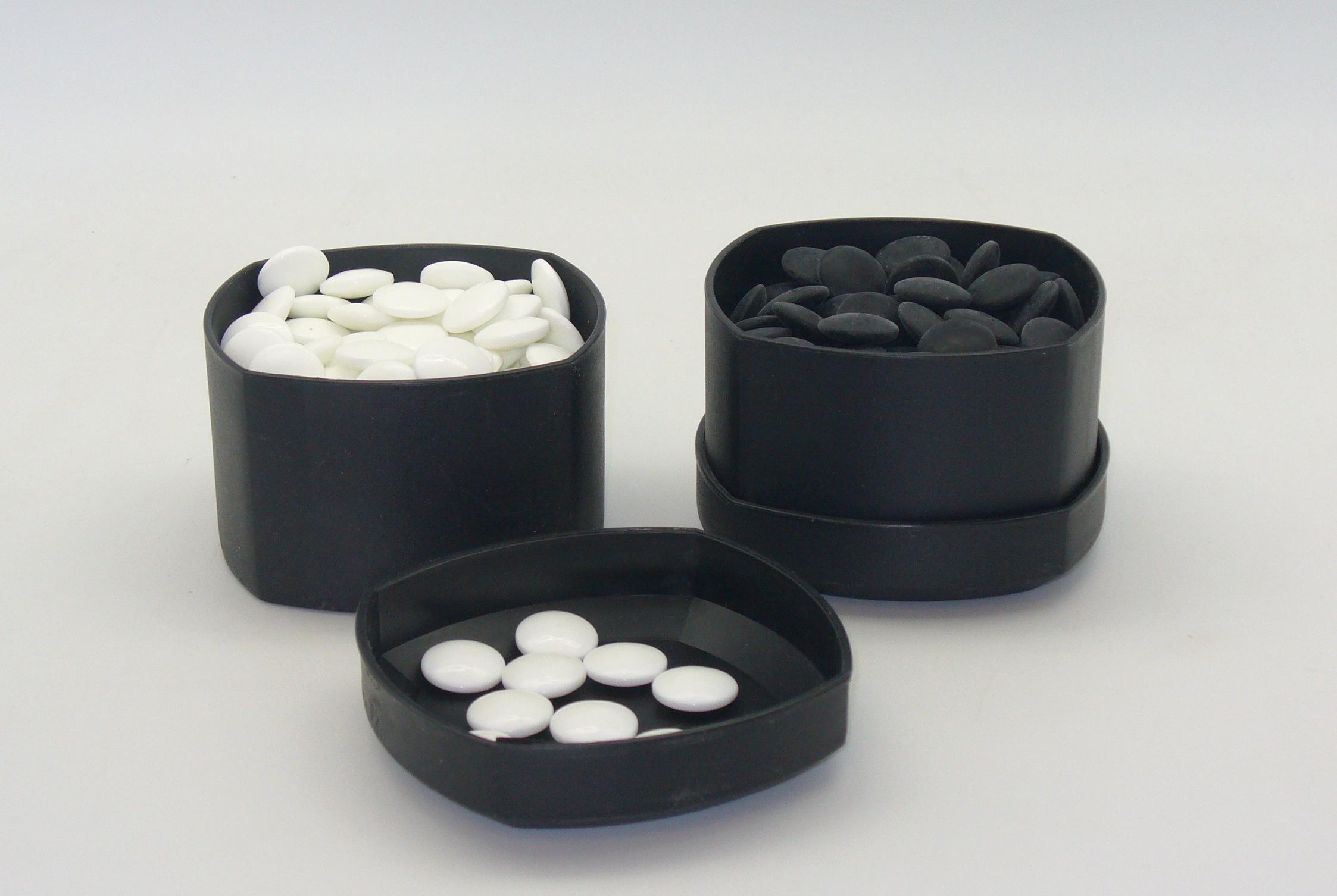 ShinkWang 22801K-8BW 8mm Glass Stones and Grey Bowls