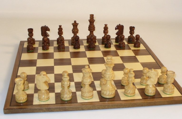 WW Chess 40SRP-WC Walnut-Maple Chess Board with Sheesham Royal Plus Carved Chessmen