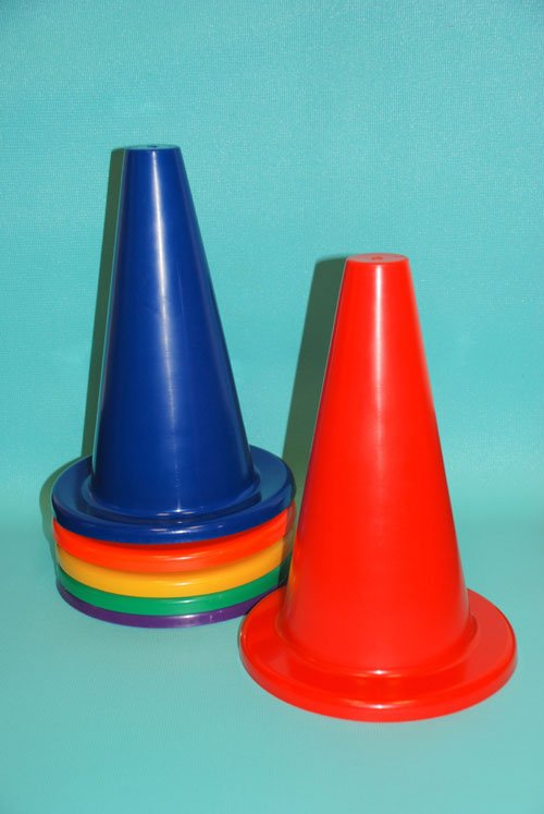 Everrich EVB-0027 12 Inch Vinyl Cone with Round Base - Set of 6