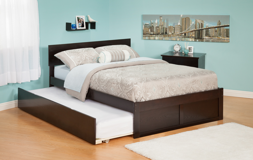 Orlando Twin Bed with Flat Panel Foot Board and Urban Trundle Bed in an Espresso Finish