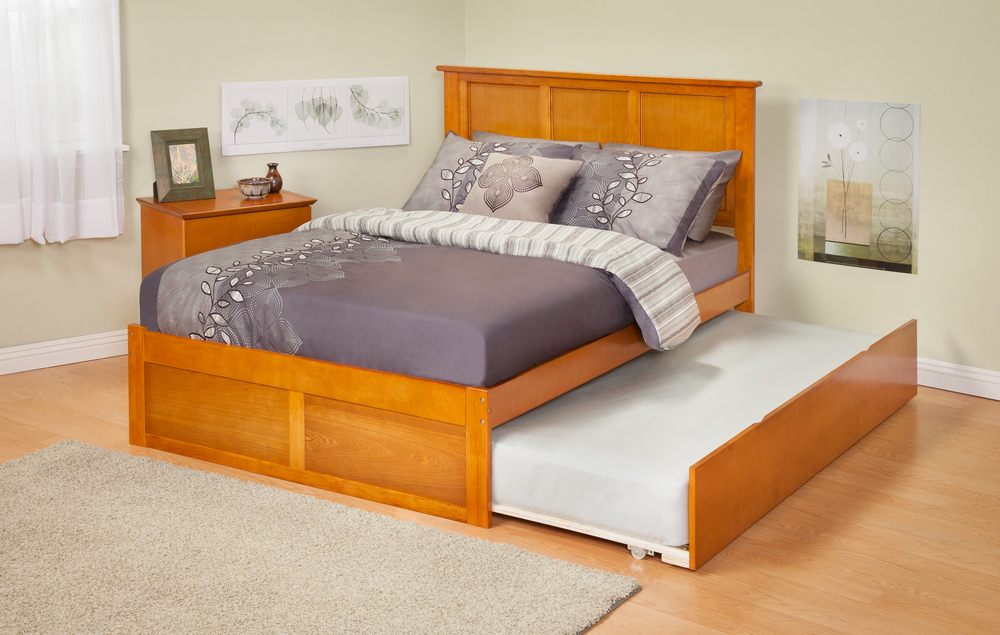 Atlantic Furniture AR8632017 Madison Full Bed with Flat Panel Footboard and Urban Trundle in a Caramel Latte Finish