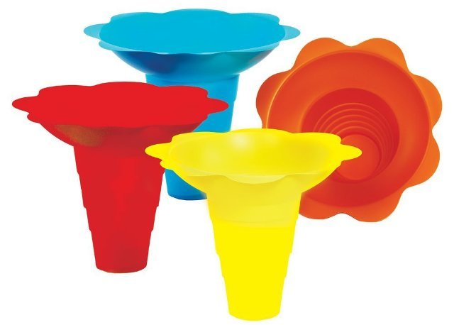 Paragon - Manufactured Fun 6504 Large Flower Drip Tray Cups - Multicolor PRGI280