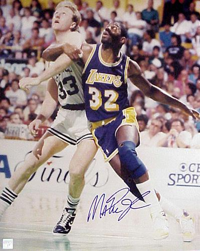Superstar Greetings MJ-16o Magic Johnson Signed 16 x 20 Photo - Vs. Larry Bird Post Up