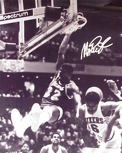 Superstar Greetings MJ-16s Magic Johnson Signed 16 x 20 Photo - Dunking Over Julius Erving - Black and White
