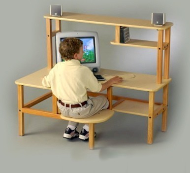 Wild Zoo Furniture p/c mpl/grn-wz Pre-School Computer Desk in Maple with Green Trim