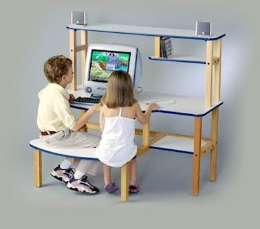 Wild Zoo Furniture 19 Inch  B-D WHT-GRN-WZ Pre-School Buddy Computer Desk  in White with Green Trim