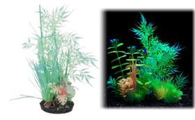 Penn Plax AJPG46 Medium Bamboo Leaf Glow Plant - 10.5 in.