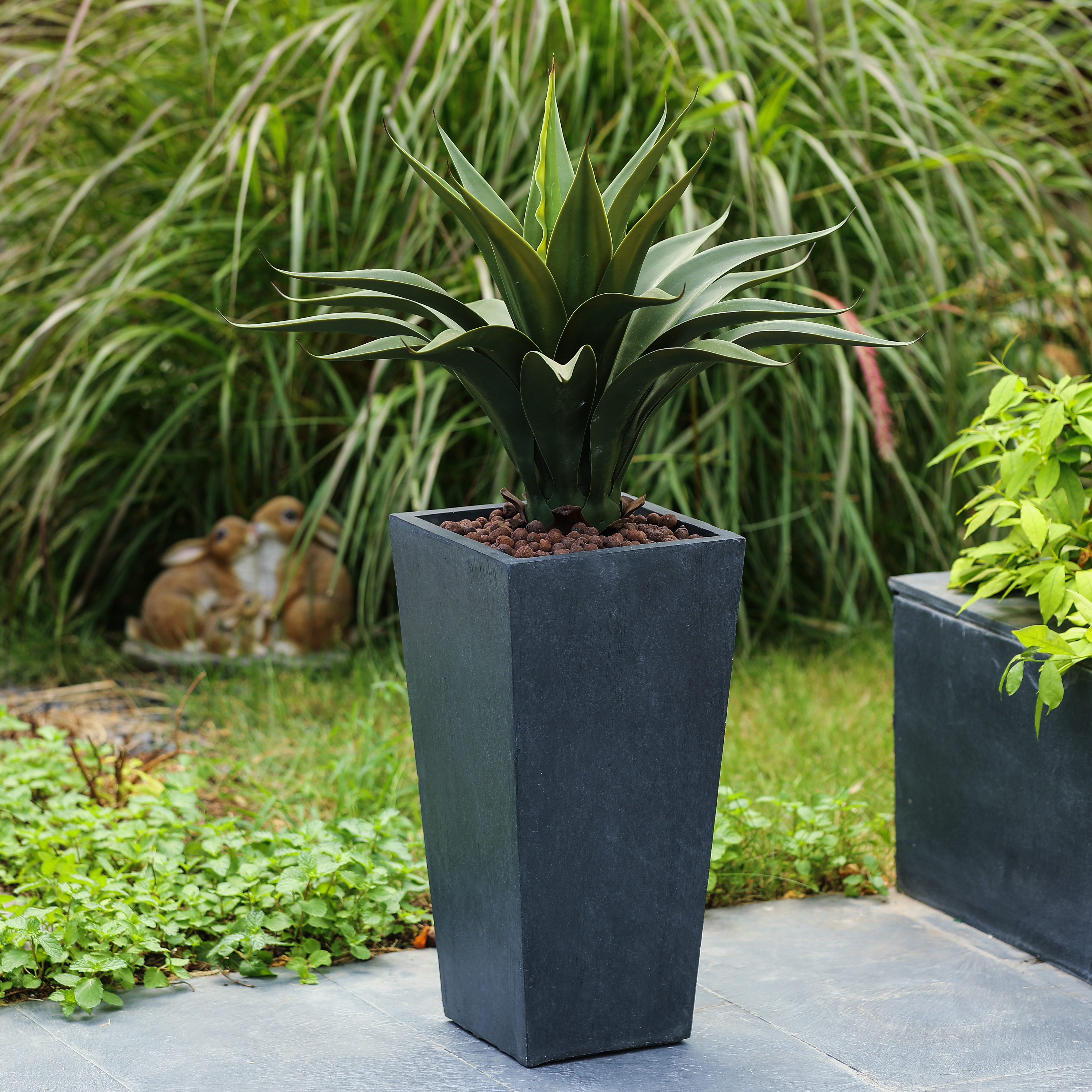 Luxen Home WH031 Tapered Planter with Stone - Small