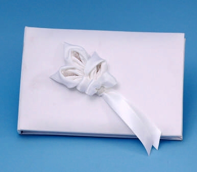 Ivy Lane Design A01075GB/WHT Calla Lily Guestbook - White