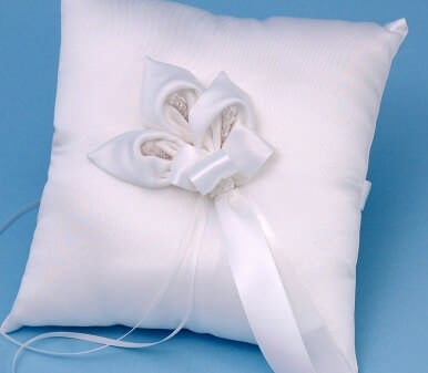 Calla Lily Ring Pillow, White