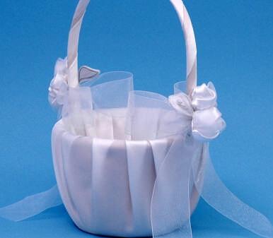 Ivy Lane Design 41VI Amour Flower Girl Basket - Ivory