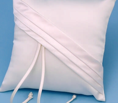 Ivy Lane Design 59BI Audrey Ring Pillow - Ivory