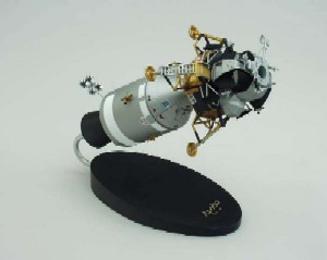 Daron Worldwide Trading E3648 Apollo Command Module W/LEM 1/48 AIRCRAFT