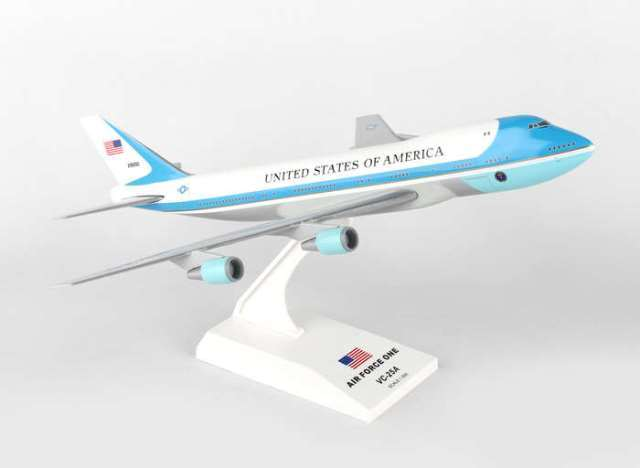 Daron Worldwide Trading SKR041 Skymarks Air Force One B747-200 1-250