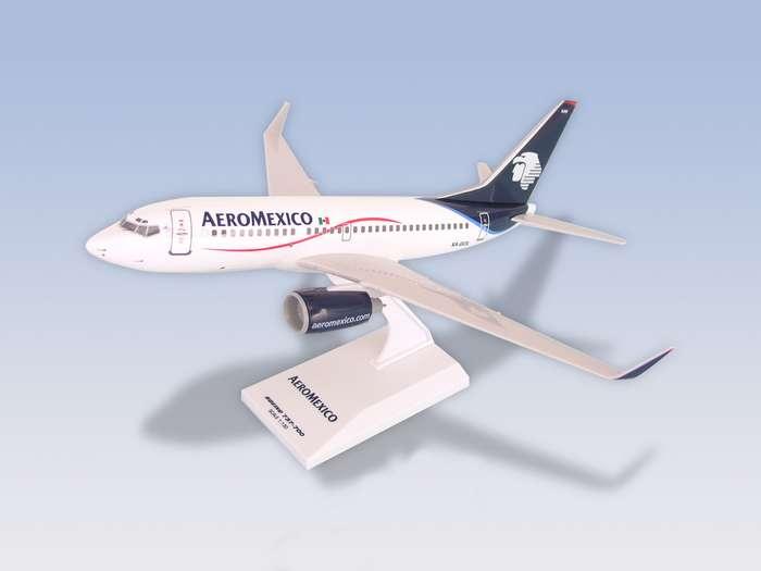 Daron Worldwide Trading SKR299 Skymarks Aeromexico B737-700 1-130